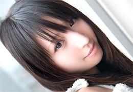 間違いなくアイドル級な黒髪ロングの絶世美少女