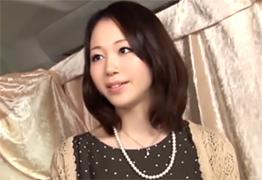 秋田出身の色白清楚な奥様がピンク乳首でたまらん(最後動画死んでます)の画像です