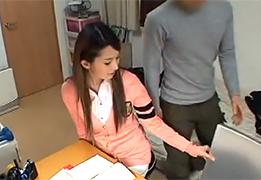 生徒の部屋に隠しカメラを設置してSEXする女子大生家庭教師の画像です