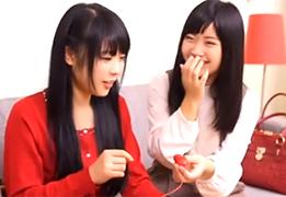 大人のオモチャに赤面するジュニアアイドルみたいな女子大生二人組!