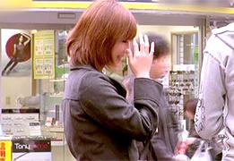 謝礼でコート脱がすとFカップの爆乳だった19歳の横浜ギャル
