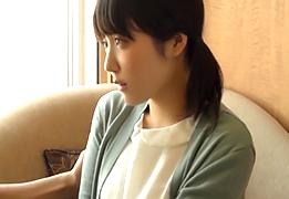 ウブで恥ずかしがり屋なのに腰使いは激しい地方の女子大生の画像です