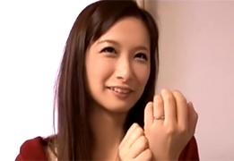 【素人】キツキツのマンコで凄まじい腰使いする横浜の美巨乳奥さん