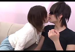 【素人】イケメンの弟とゲームでキスしてたら本気になってしまい…