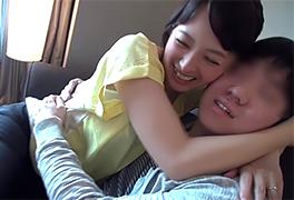 【素人】日本一可愛い50歳に童貞奪われるなんてうらやましすぎる…
