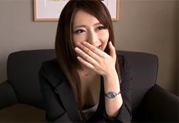 【素人】週7でオナニーしているという大手証券会社勤務の美人OL