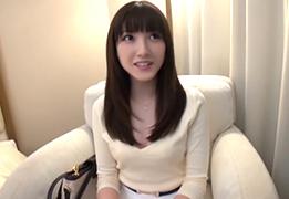 「中に出して…」雪のように真っ白い肌した文京区在住の若奥様に中出し!