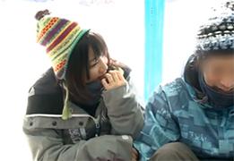 【素人】彼氏とスノボに来てたおしゃれウェアの美少女を寝取って中出し!