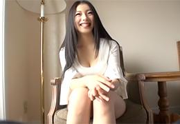 【素人】サラサラの黒髪を乱して最高にエロいセックスをする大学2年生の画像です