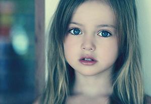 「世界で最も美しい女の子」9歳で可愛すぎだろ・・・の画像です