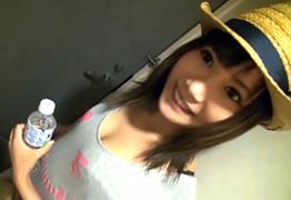【素人】岡山でナンパした美少女すぎる雑貨屋店員を電マでイカせて挿入!の画像です