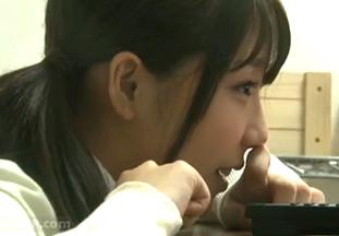 クラスで一番可愛い女子とコタツにあたりながらAV見ていた結果www