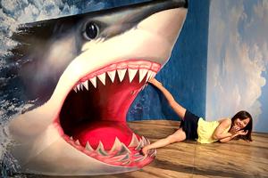 激ロリ少女と山奥一泊二日の温泉デート旅行!サメからは逃げれたけどおじさんには食べられてしまいました。加賀美シュナ