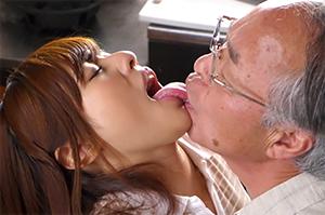 新人介護士瑠川リナ