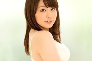キスしただけでぐっちょり...感度良好の現役女子大生がAVデビュー!! 神木さやか