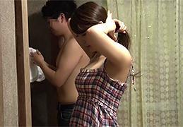大好きなお姉ちゃんと二人で混浴に入った結果、何故かエロい雰囲気に…(汗)