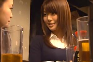 彼氏にドタキャンされてヤケ酒で泥酔してる女をホテルに連れ込んで… 春咲あずみ