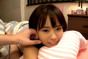「私、今日排卵日なんだ…」どう見ても子供な加賀美シュナとの子作り新婚生活!?