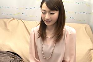 奇跡の42歳発見!18歳の娘がいるなんてとても見えない… 佐藤由紀恵
