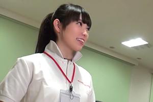 完全ガチ交渉!噂の、素人激カワ看板娘を狙え!vol.23