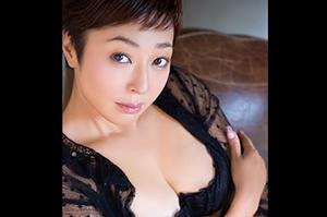 小松千春 小学生の息子がいる元タレントのSEXがこちらですの画像です