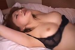 里美ゆりあと濃厚セックス