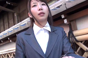週刊誌にも載った美人すぎる地方公務員「月島杏奈(つきしまあんな)」がAVに!