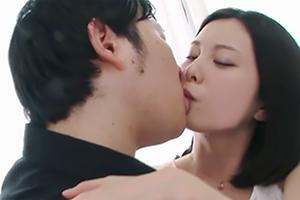 可愛い松岡ちな。接吻から始まる6月配信のフル動画はこちらから見れますよ。