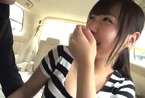 「見られたらマズいです」自宅の近くに止めた車の中で二十歳のガチ若妻に中出し!