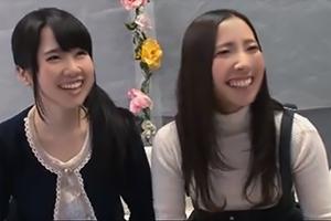 【マジックミラー号】フル勃起ペニスのセンズリ鑑賞、ビクビクしながらも笑ってしまう女子大生2人