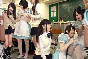 【悲報】俺氏、学祭のメイド喫茶で女装させられる・・・