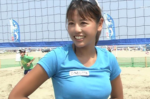 ビーチ妖精、坂口佳穂の画像です
