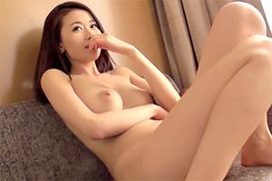 高島ゆいか 36歳 化粧品販売の画像です