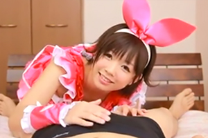 紗倉まな ロリ美少女がコスプレで淫語ご奉仕してくれる最強に萌える作品がこちらの画像です