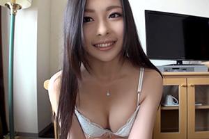 【シロウトTV】黒髪ロングが似合いすぎる激カワ女子大生(19)とハメ撮りの画像です