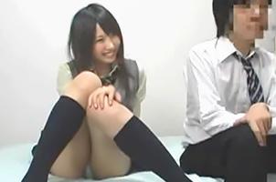 【盗撮】クラスでNo.1の美少女を自宅へ連れ込んでSEX隠し撮り