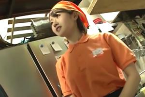 川村まや 悲劇は突然起こった。厨房に押し入られたストーカーに…