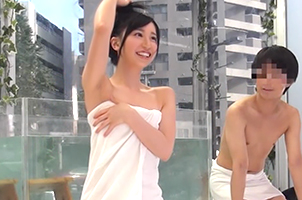友達同士2人っきりで初めての混浴温泉の画像です