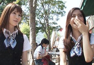 【素人】赤坂で昼休み中の彼氏持ちOL2人組をナンパして無理矢理乱交してみた。の画像です