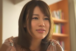 中出しお義姉さんの誘惑 本田莉子の画像です
