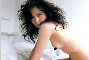 三浦理恵子の乳首ヌードの画像です