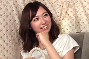 【素人】新宿でナンパした警戒心の強い人妻も電マの応酬に耐えられずホテルへ…の画像です