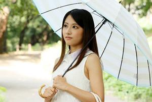 オトナの色気溢れるクールビューティー 三井悠乃 の初脱ぎがもはや最高。