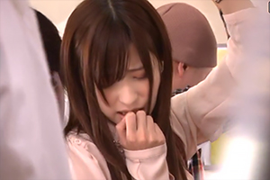 恵比寿マスカッツ 天使もえ が痴漢願望のナースとなって卑猥に狂う。の画像です
