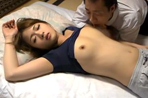 【大槻ひびき  保坂えり】若くて美人な部下の嫁を夜這い!