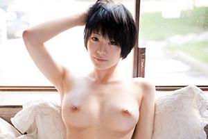 すっぴん。 鈴村あいり。ボーイッシュなベリーショートにこの美巨乳は反則すぎる・・・