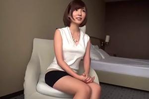【ラグジュTV】櫻井まどか 33歳。BAR経営する程のセレブ妻がAV出演する理由…の画像です