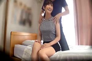【盗撮】同じアパートの巨乳人妻を部屋に連れ込んでヤりまくる!