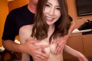 【素人ナンパ】可愛い顔して腰使いがたまらなくエロい横浜美女とハメ撮り。の画像です
