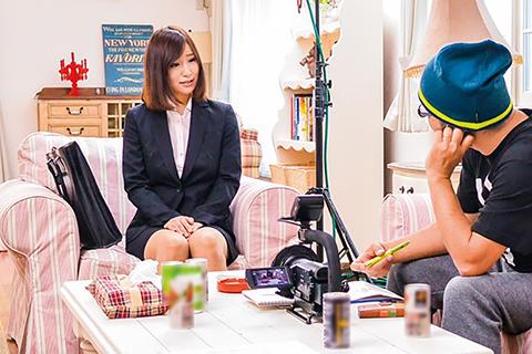瀬田奏恵(せたかなえ) ドタキャンした女優の代わりにAVデビューさせられた巨乳マネージャーがこちらwww
